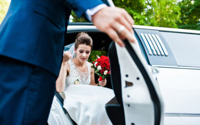 Simple Tips to Perfectly Decorate your Wedding Limousine